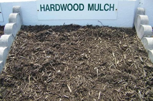 Dark-Double-Shredded-Hardwood-Mulch-800